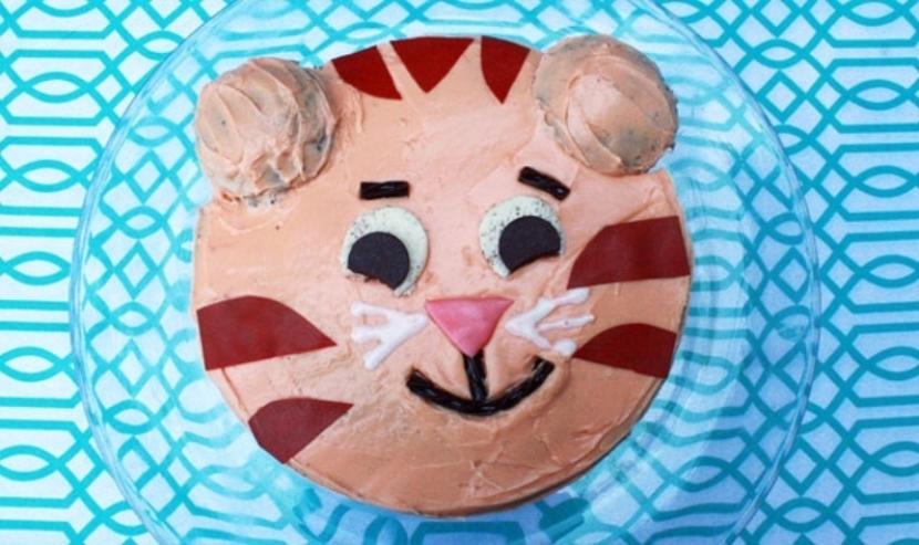 Phenomenal Daniel Tiger Cake Recipes For Kids Pbs Kids For Parents Funny Birthday Cards Online Elaedamsfinfo