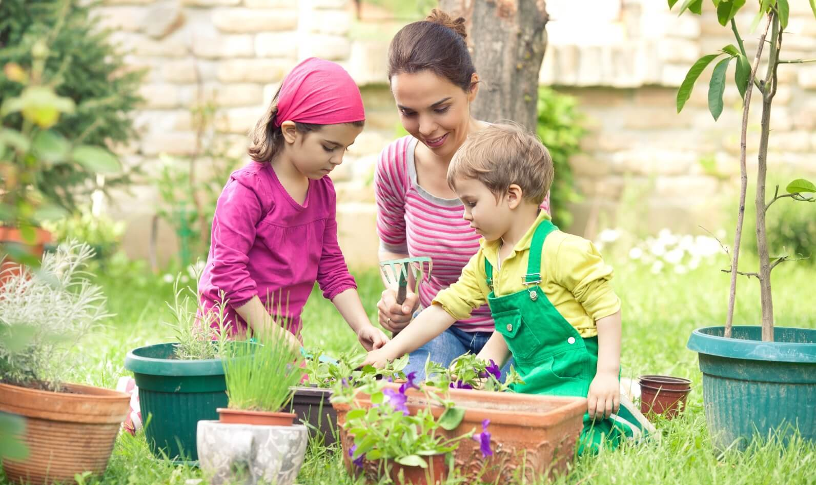 Gardening with Kids: How It Affects Your Child's Brain, Body and Soul | Parenting Tips & Advice | PBS KIDS for Parents